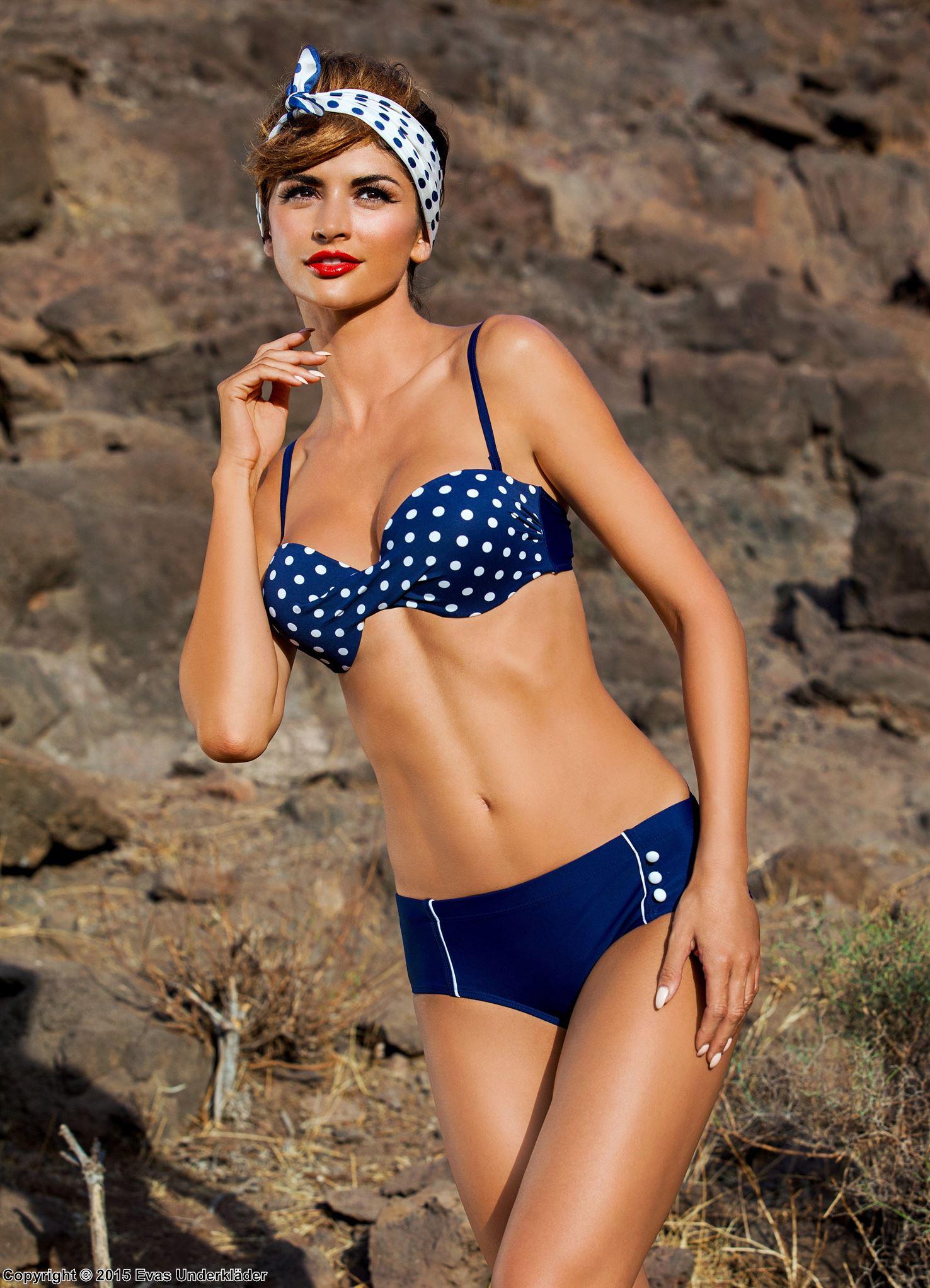 prickig bikini 2015